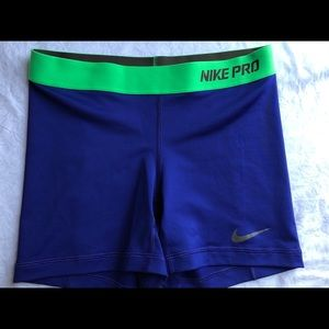 "Nike pro shorts 5"" in"